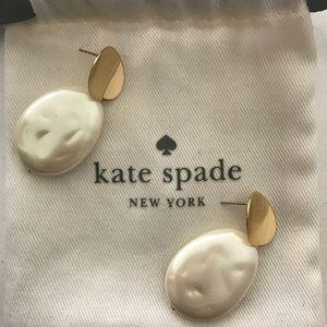 Kate Spade freshwater pearl earrings! Worn once.